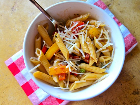 Pasta with Peppers & Peas