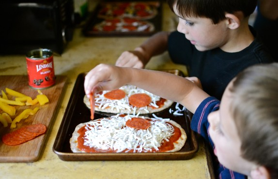 Recipe: Kid-friendly personal pizzas