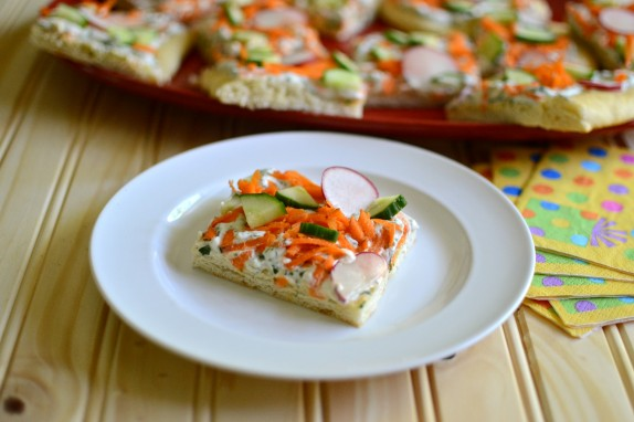 Recipe: Ranch dip and veggie squares
