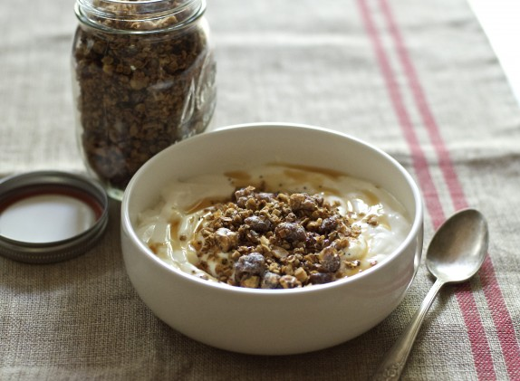 Recipe: Poppy seed and coconut oil granola
